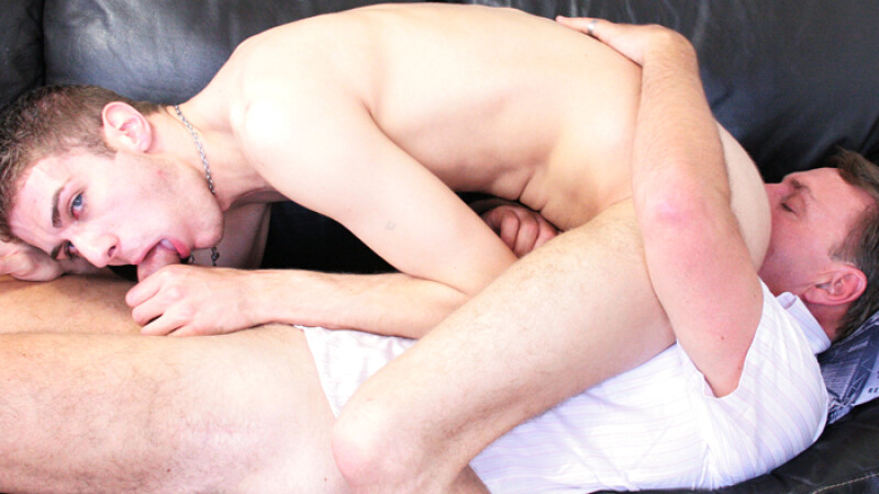 Kyle Martin Fucks A Bottom Daddy