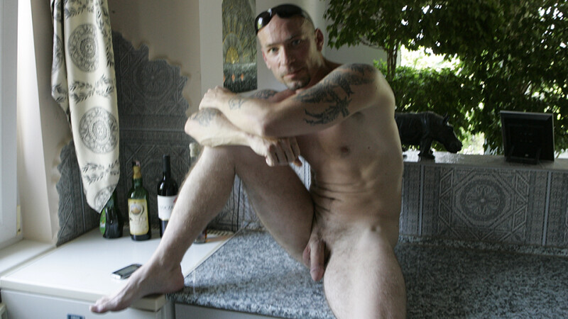 Outdoor masturbation with Lorenzo